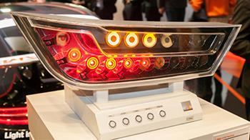 LED/OLED rear light demonstrator